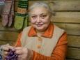 """Женщина вяжет носки в музее, чтобы не """"закиснуть"""" на пенсии"""