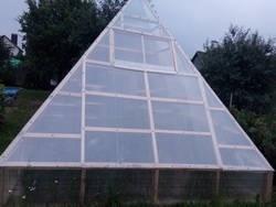 Теплица-пирамида своими руками